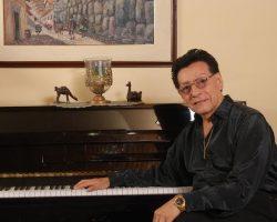 ALFREDO LINARES, Maestro del Piano